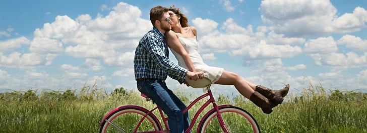 cykel på väg med gratis kondomer
