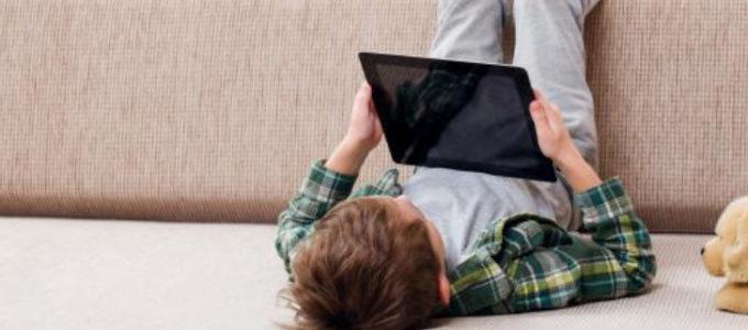 Gratis försäkring mot näthat för alla under 18